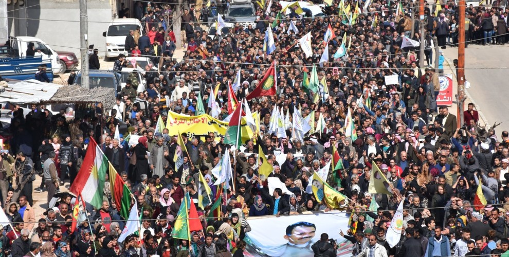Photo of Tens of thousands take to the streets in Afrin against attacks
