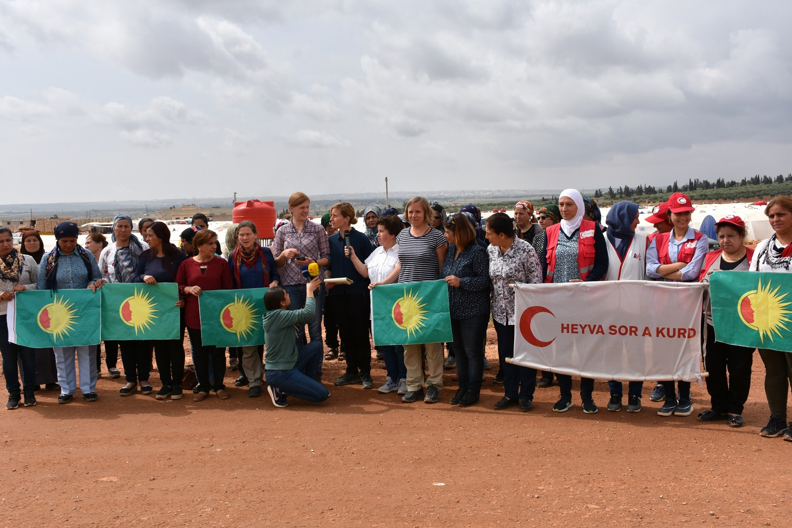 Photo of German women's delegation calls recognition of al-Shahba camps