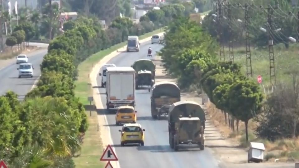Photo of Large Turkish Military  Reinforcement  Towards Observation Posts Inside Syria