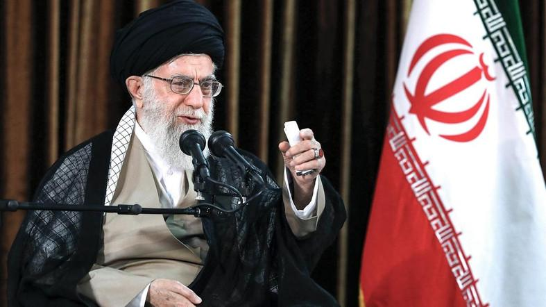 Photo of Iran faces sensitive time over threat from America, economic woes, president says
