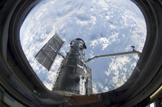 Photo of HUBBLE SPACE TELESCOPE IN SERIOUS TROUBLE AFTER MECHANICAL FAILURE, NASA SAYS