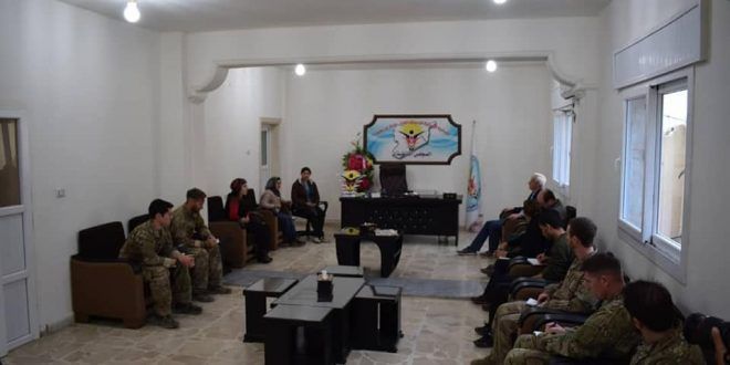 Photo of the delegation of the International Coalition visits the Civil Civil Administration in Manbij and confirms that they will do their duty