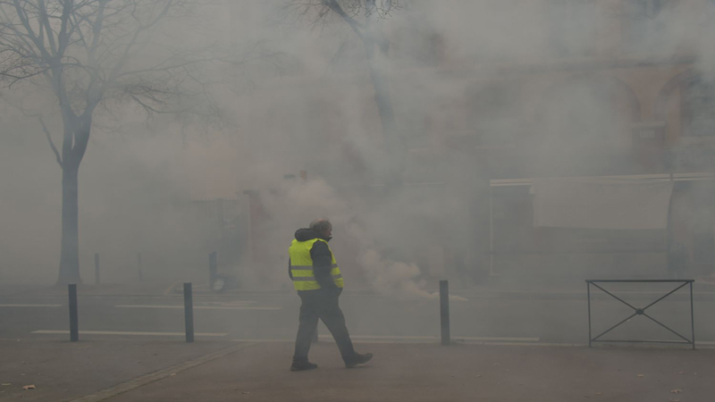 Photo of Police teargas 'yellow vest' protesters in Paris