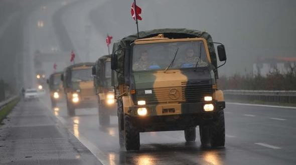 Photo of Turkey mobilizes more troops and mechanisms on Syrian border