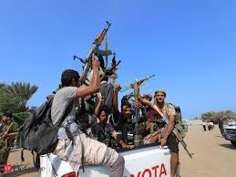 Photo of Houthi drone attack targets Yemeni army parade, 5 soldiers killed