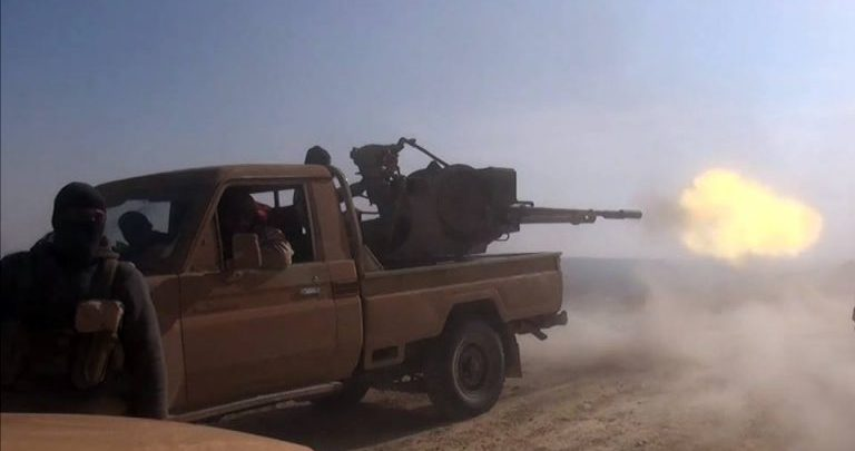 Photo of ISIS exploits the sand storm and carry out a counter attack to recover the areas it lost and the eastern banks of the Euphrates witness violent fighting