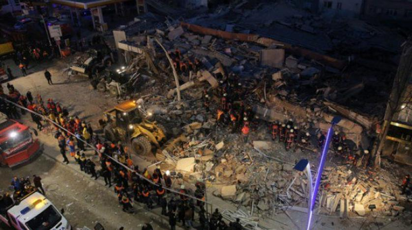 Photo of Building Collapses in Turkey's Istanbul, Leaves Causalities