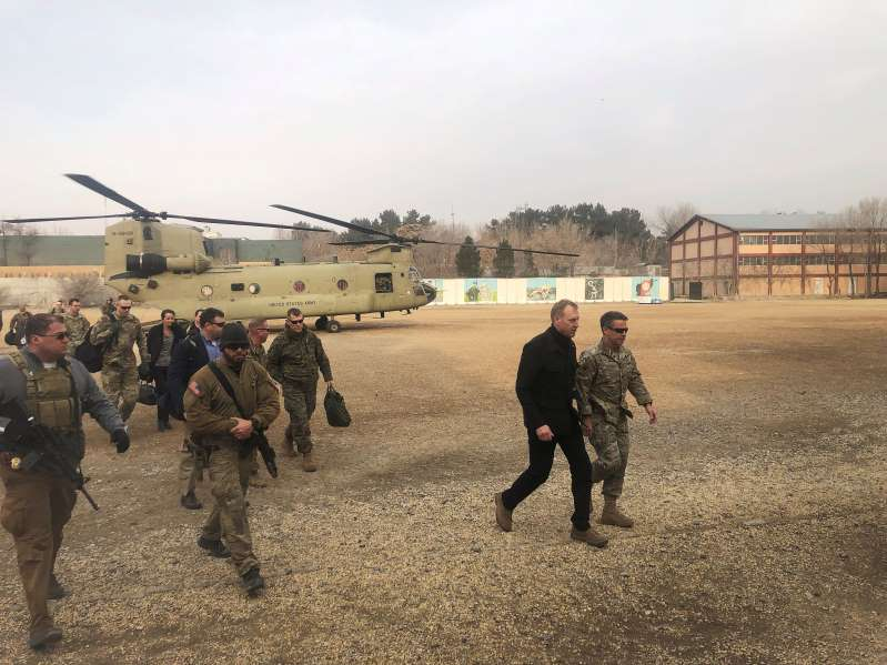 Photo of Acting Pentagon chief visits Baghdad to support Iraq, discuss Syria withdrawal