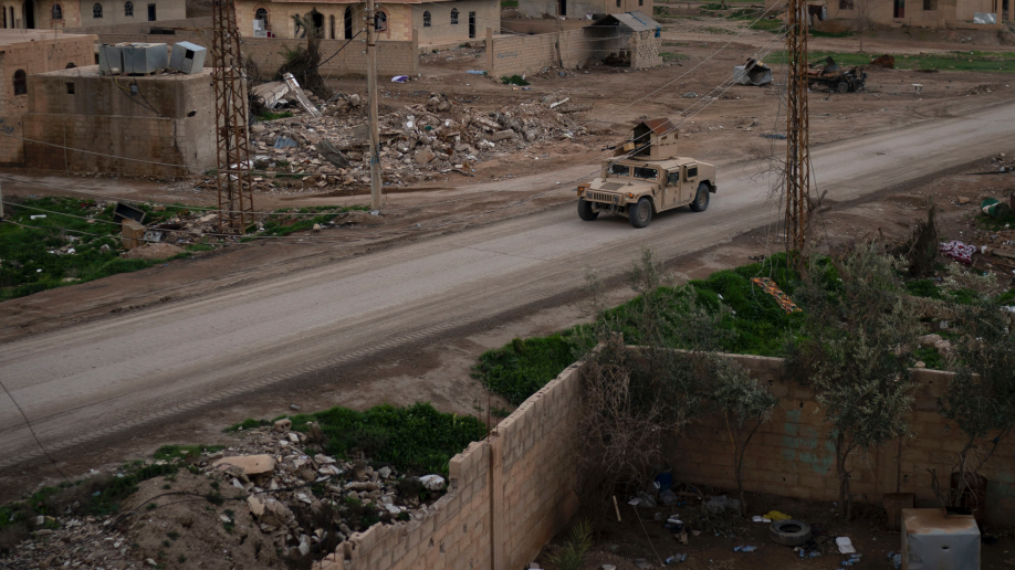 Photo of Besieged IS militants refuse to surrender, ask for an exit