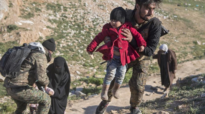 Photo of ISIS Defends Last Syria Redoubt, as Family Members Flee