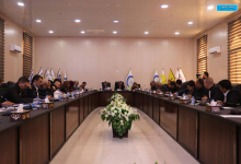 Photo of Members of the public administration body carry out their duties and open their first meeting by taking an oath
